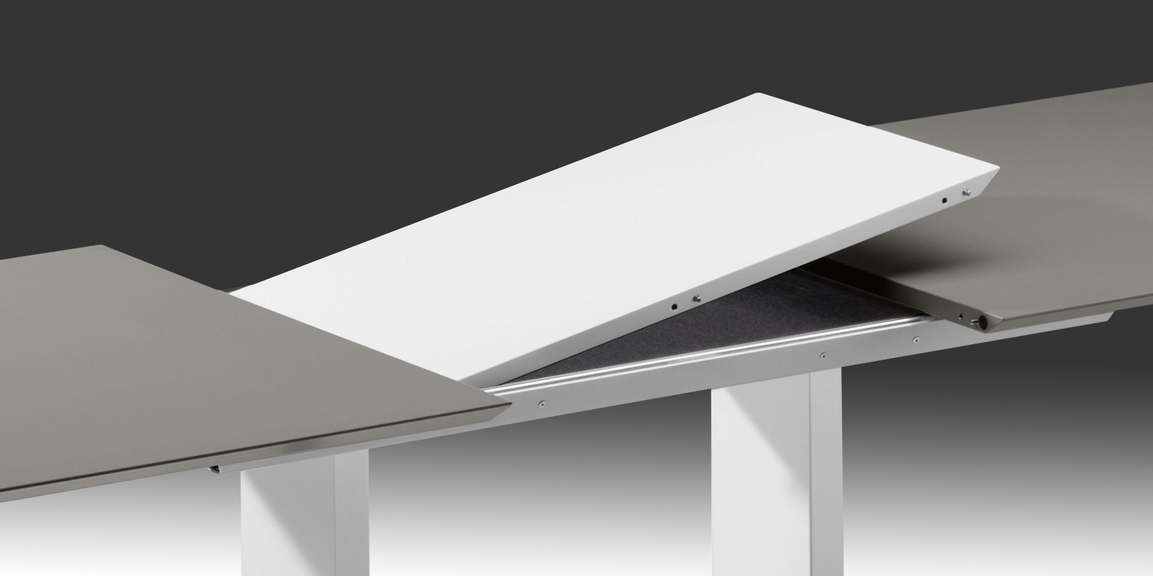 dining tables with abstract mechanism – Extension in the tabletop middle